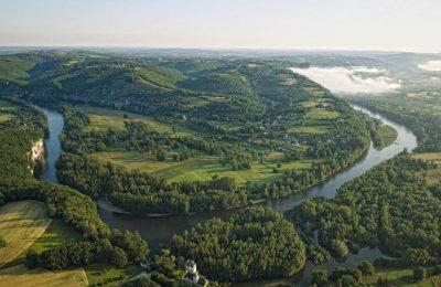 Vacances en camping : la Dordogne et les Landes, des destinations uniques en France