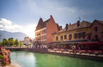 Vacances à Annecy, quelles solutions d'hébergement choisir ?